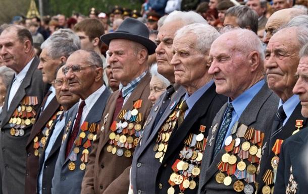 Порошенко поручил силовикам к 9 мая присвоить ветеранам внеочередные звания