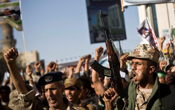 Ємен знову бомблять, з країни вивозять українців