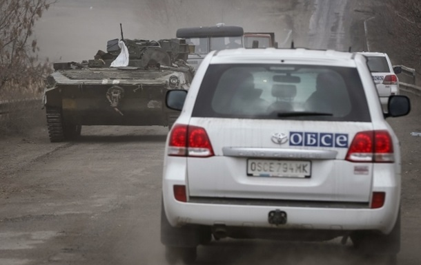 Миссия ОБСЕ заметила машину с поддельной символикой их организации