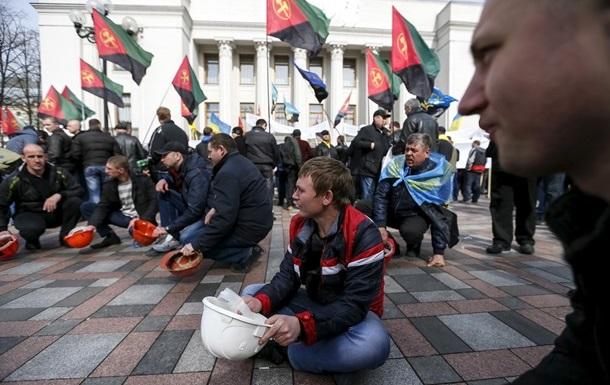 Автомайдан начинает патрулировать Киев: ищут  шахтеров-титушек