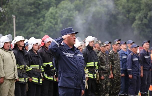 Шкиряк рассказал, как спасатели борются с пожаром возле Чернобыля