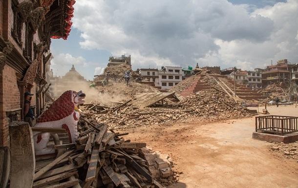 Число жертв землетрясения в Непале превысило шесть тысяч
