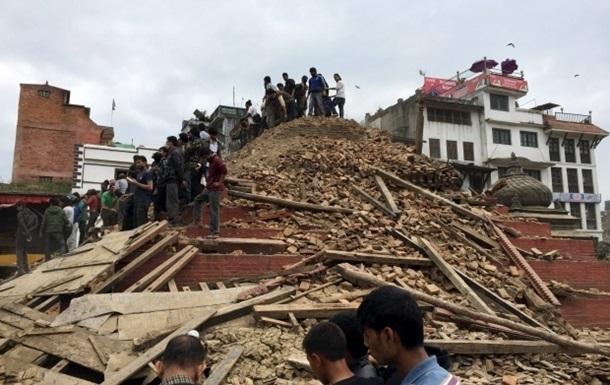 МИД не может установить связь с 40 украинцами в Непале