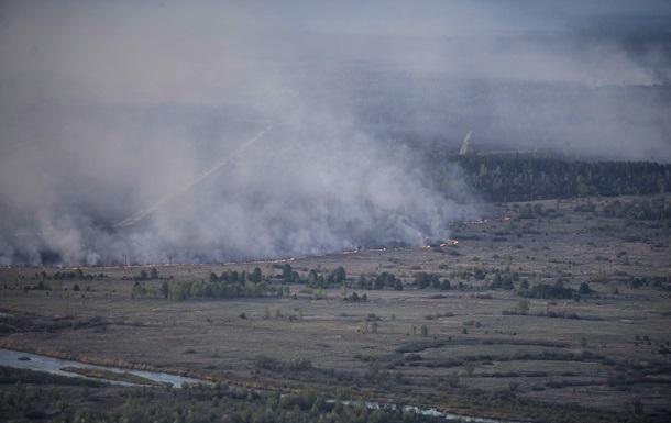 Пожар под Чернобылем обещают потушить за два дня