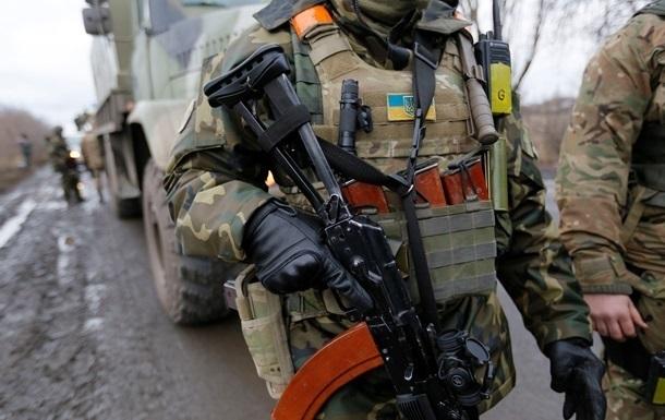 В Луганской области подорвался военный