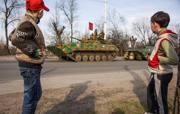 Обстрелы Новотошковки: возле шахты погибла женщина