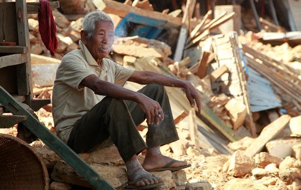 В Непале из-под завалов извлекли выжившего 101-летнего мужчину