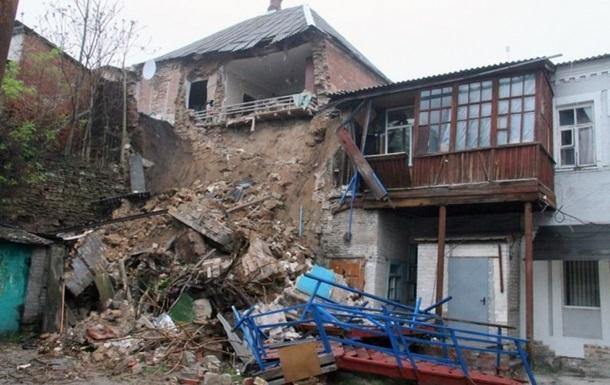 Вночі в Мелітополі обвалився житловий будинок