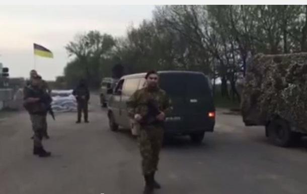 Айдар  устроил конфликт с военными из-за контрабандного алкоголя