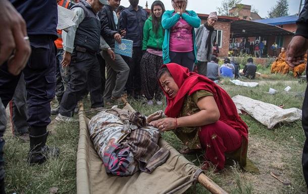 Землетрясение в Непале: Число жертв превысило 7,7 тысячи человек