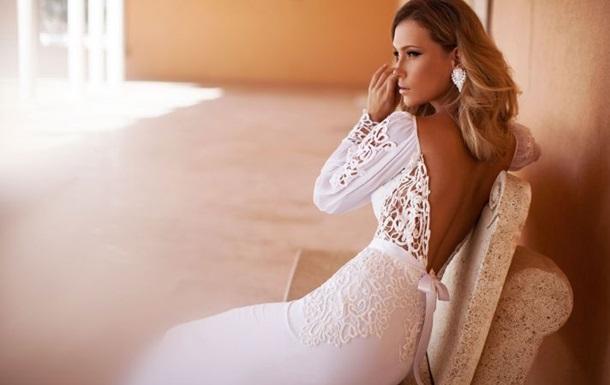Скромность не в моде. Свадебные платья диктуют сексуальность - Daily Mail