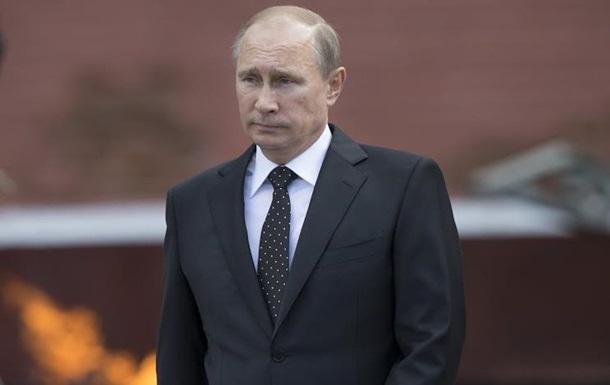 Путин поздравил украинцев с Днем Победы, но забыл о Порошенко