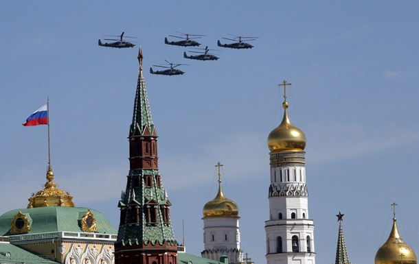 В Кремле отреагировали на слова Порошенко о параде в Москве