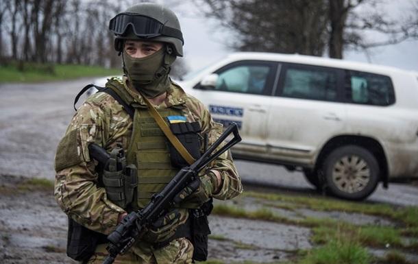 Украинский солдат из автомата обстрелял миссию ОБСЕ