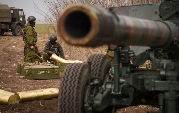 Сепаратисти ведуть обстріли з усіх видів зброї - штаб АТО