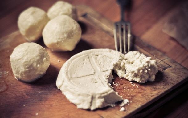 Ода моцарелі: італійці показали як правильно готувати молодий сир