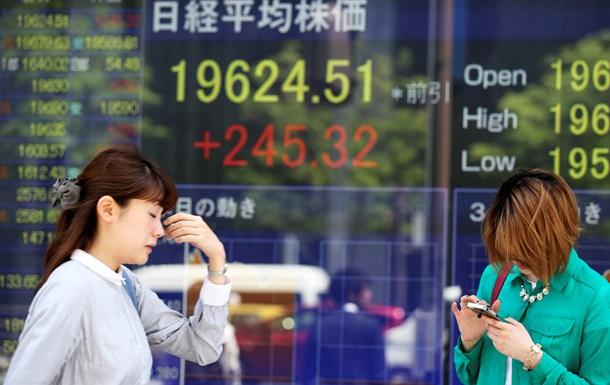 Торги на Токийской фондовой бирже открылись с падения котировок