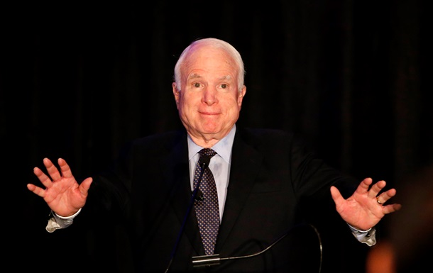 Маккейн опроверг согласие стать советником Порошенко