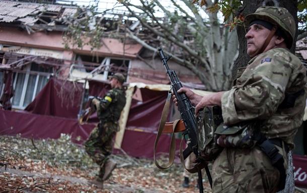 У Луганській області виселять військових, які захопили будинки