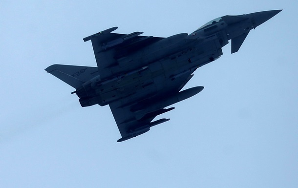 У небі біля Шотландії знову помітили російські військові літаки