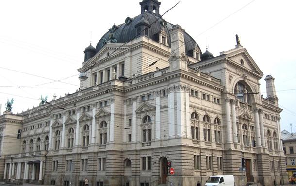 Львівська опера б є тривогу через масові повістки артистам