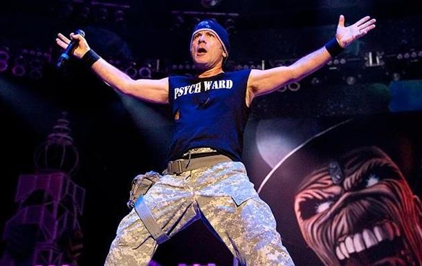 Вокалист Iron Maiden излечился от рака