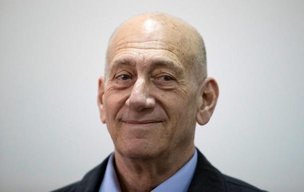 Экс-премьера Израиля посадили за коррупцию