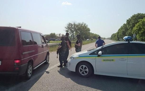 Трасса Харьков-Киев перекрыта из-за захвата заложников