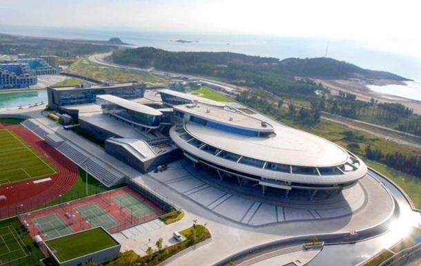Китаец построил офис в виде звездолета из  Star Trek  за $100 миллионов