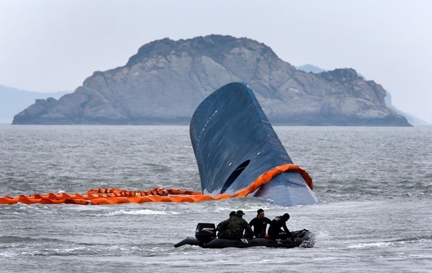 В Китае затонуло судно с 400 пассажирами