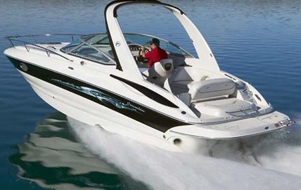 В озере США при крушении катера погибли четыре человека