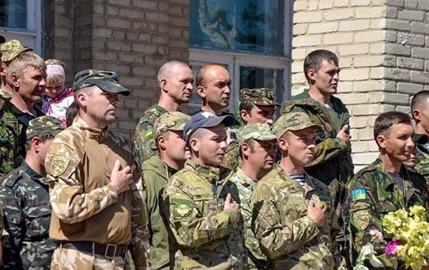 На Донбассе за Украину воюет 50 тысяч бойцов - Порошенко