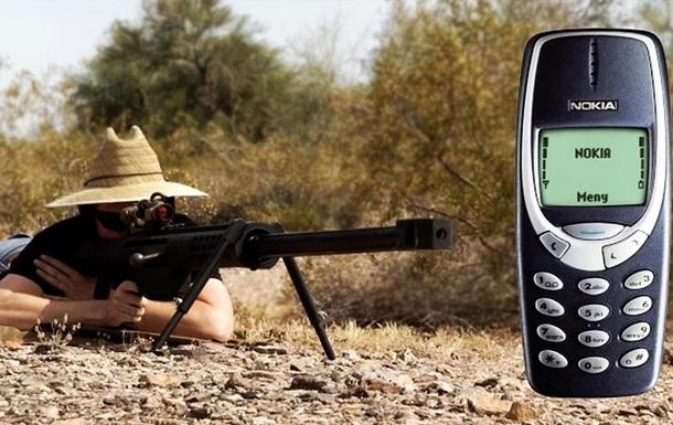 Блогеры устроили краш-тест Nokia 3310 противотанковым ружьем