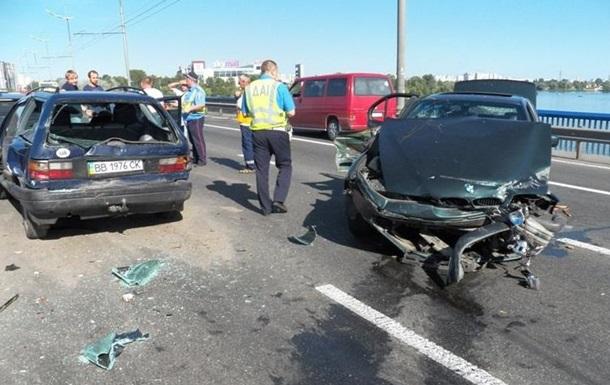 Милиционер на BMW устроил аварию в Киеве - СМИ