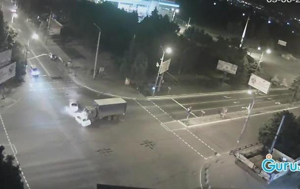 В Мариуполе произошло тройное ДТП с участием военных