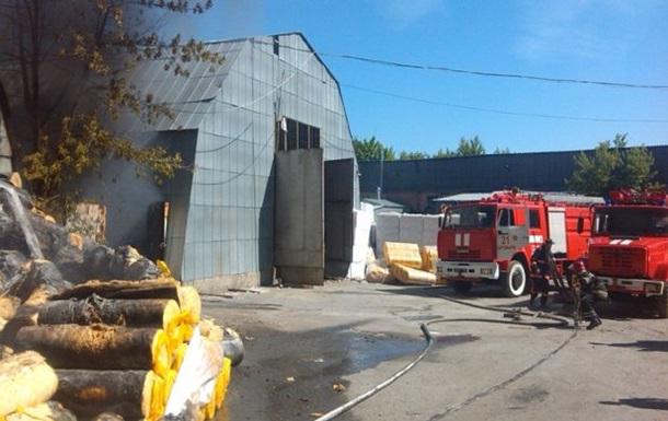 Спасатели заявили о ликвидации пожара на складе пенопласта