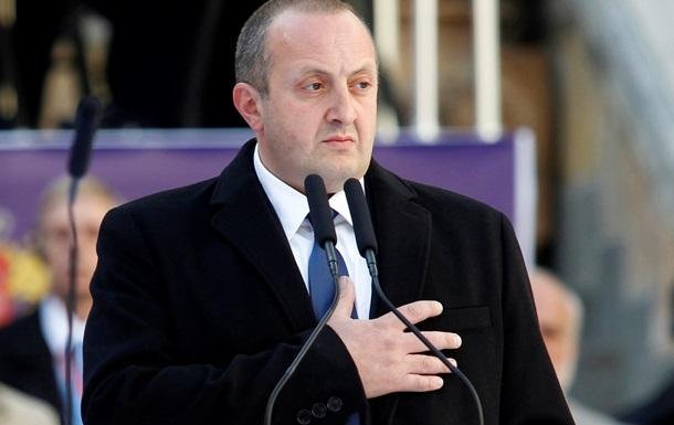 Запонки президента Грузии продали на благотворительном аукционе