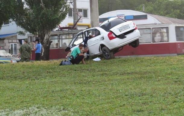 ДТП в Мариуполе: авто чуть не разорвало на части