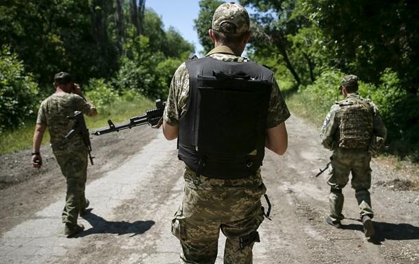 Военных в зоне АТО проверят на наличие судимостей