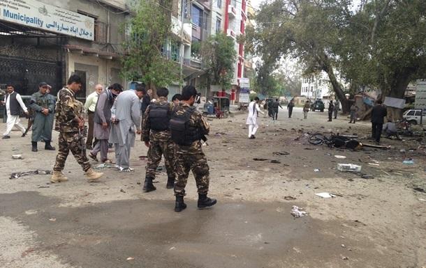 У парламента в Афганистане прогремели несколько взрывов