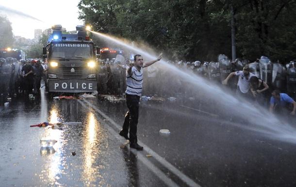 Начальник полиции Армении попросил прощения у журналистов