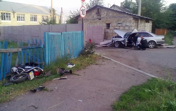 В Александрии машина вылетела на тротуар, 9-летняя девочка погибла