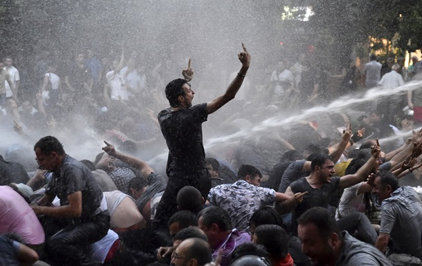 Электрический Майдан. За что протестуют армяне