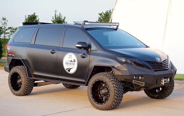 Для наших дорог: Toyota покажет внедорожник с повышенной проходимостью