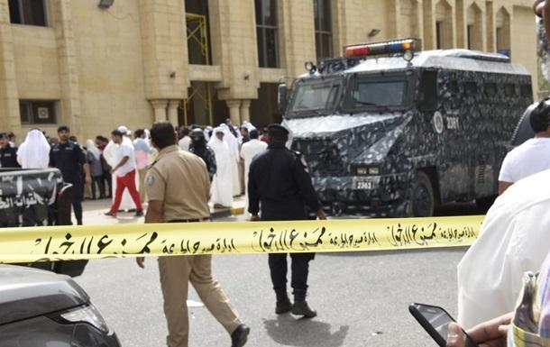 Число жертв теракта в мечети Кувейта возросло до 27