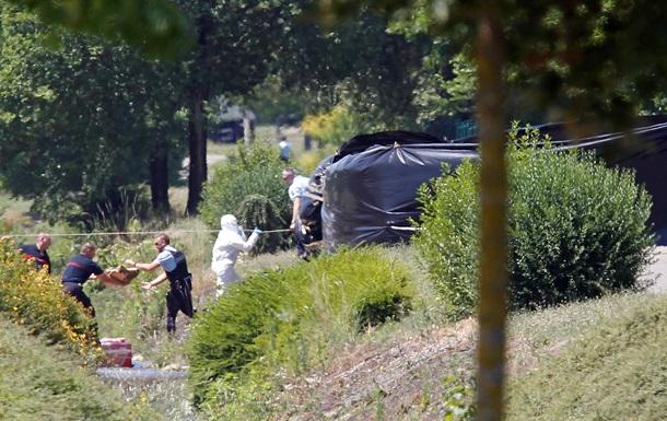 Террорист во Франции сделал селфи с головой жертвы