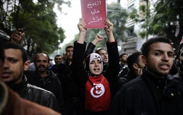 В Тунисе прошли акции против террора