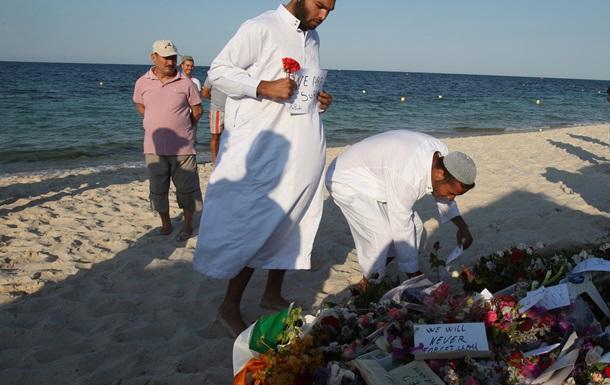 В Тунисе опознали всех убитых 38 туристов