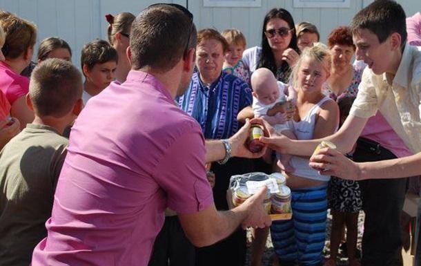 Кожушко Николай- детская организация «Допоможемо дітям  помогает детям .