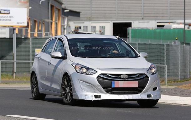 Обновленный хетчбэк Hyundai рассекречен на шпионских фото